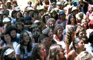 groupe de hippies dans les années 70